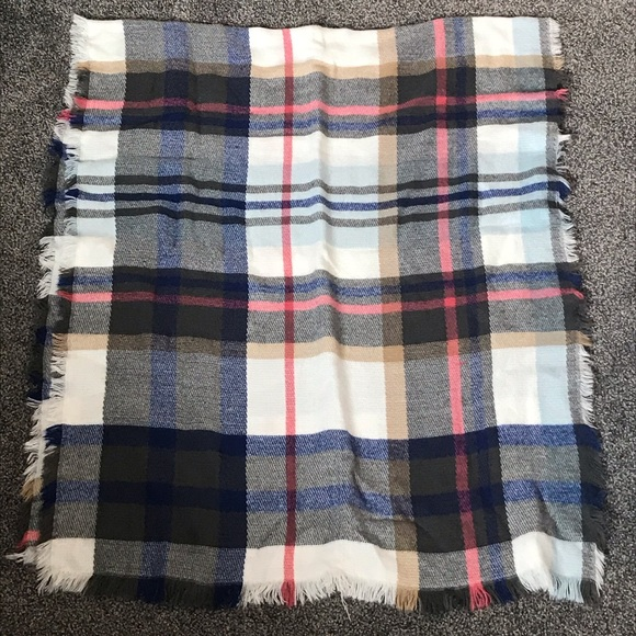 Women's Plaid Blanket Scarf